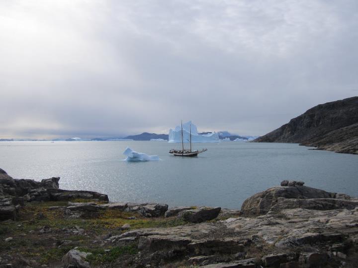 Sigling Um Scoresbysund á Grænlandi